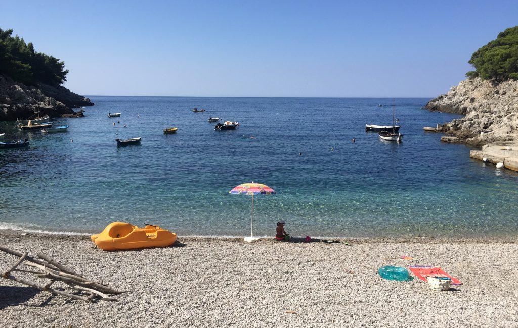 Plaža Sutmiholjska ponuja enega najlepših razgledov