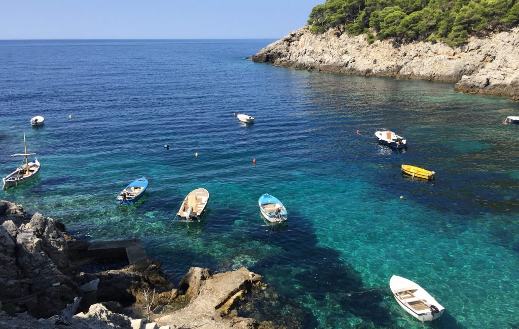 Polovica Slovencev bo dopust preživela na Hrvaškem