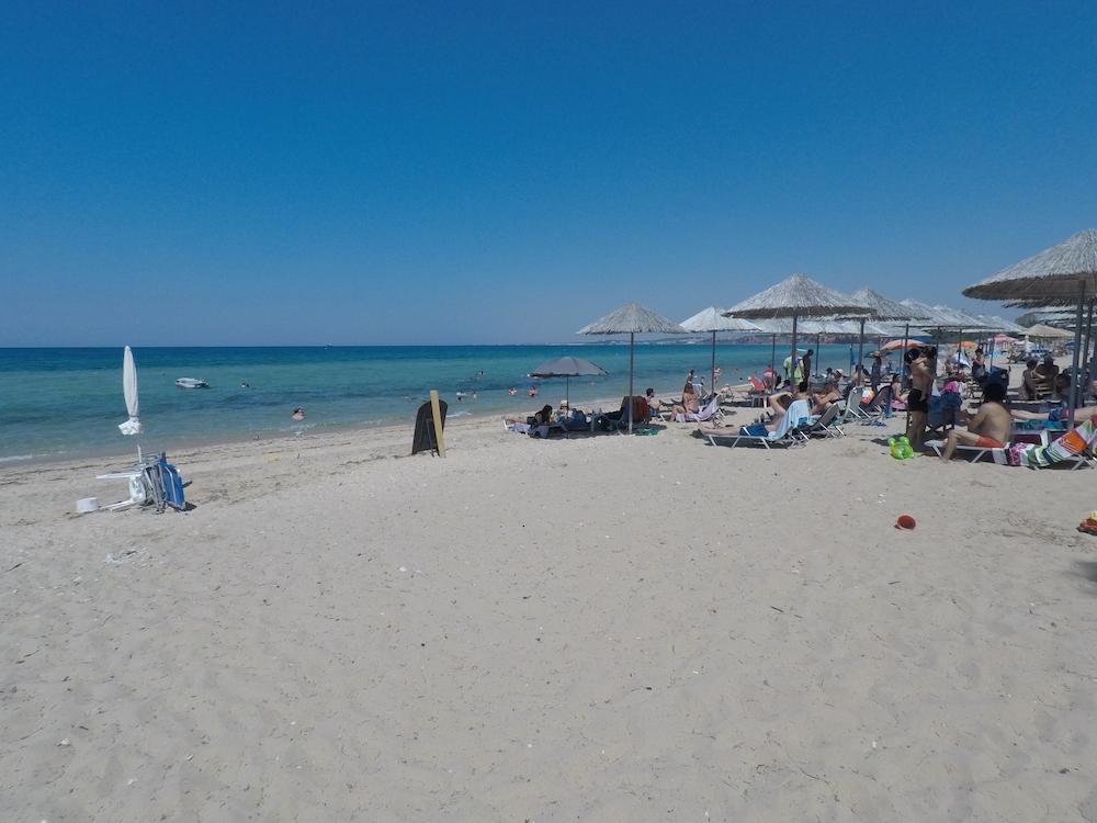 Ouzouni beach kamp