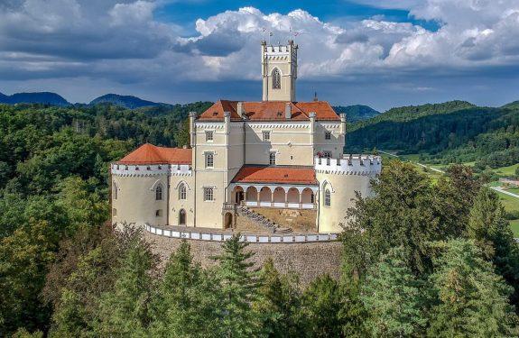 Trakošćan – ogled dvorca oz. gradu in sprehod okrog jezera